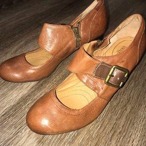 Clarks Indigo Town Mary Jane Side Buckle Heel, 8 M